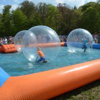 Waterloopballen Bassin voor waterballen